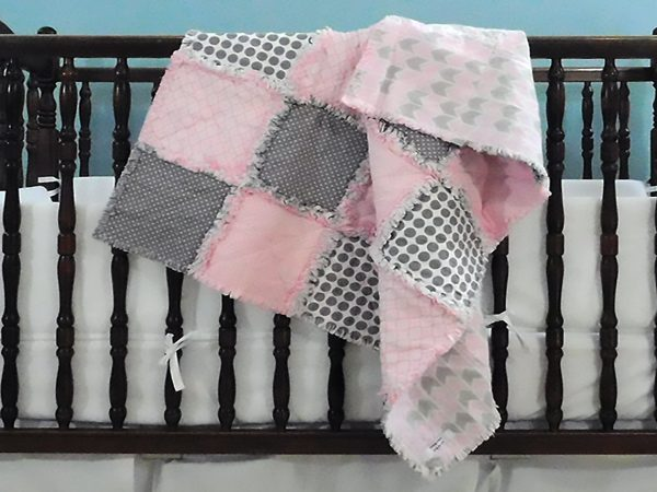 pink-and-grey-quilt
