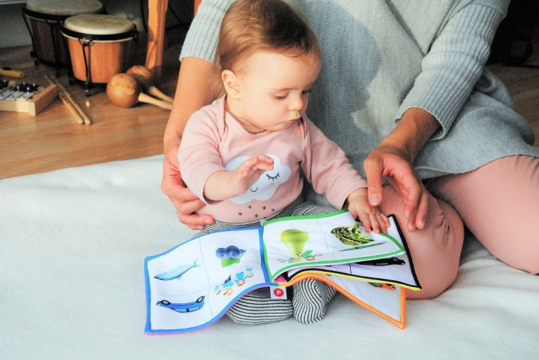Reading-to-baby